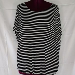 Black and White Striped Shirt Sleeved Tulip Top